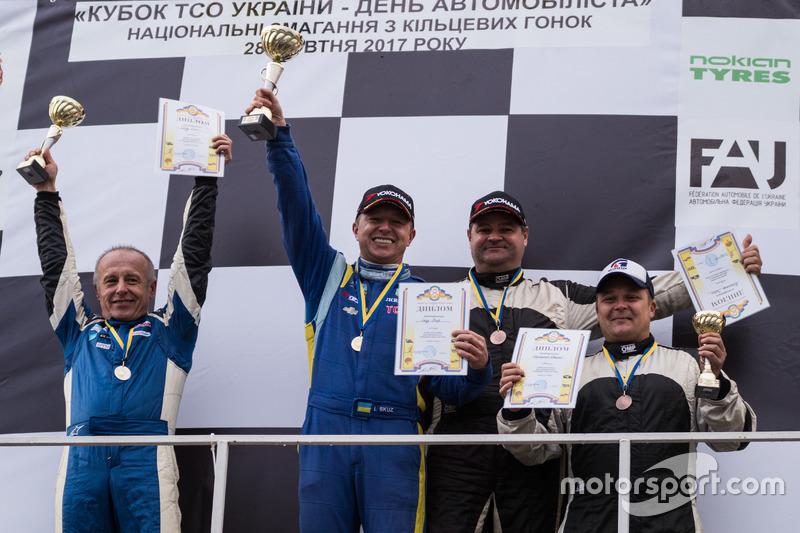 Подіум GT Open: Олег Скуз, Ігор Скуз, Павло Копилець, Євген Борщенко
