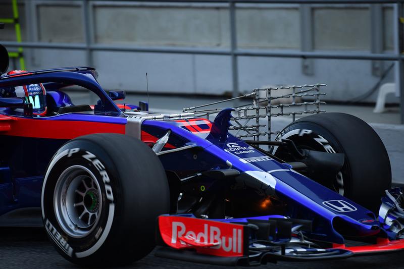 Pierre Gasly, Scuderia Toro Rosso STR13 with aero sensor