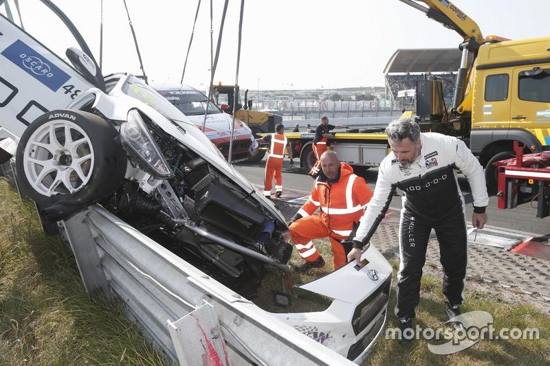 El coche de Yvan Muller, YMR Hyundai i30 N TCR tras el accidente