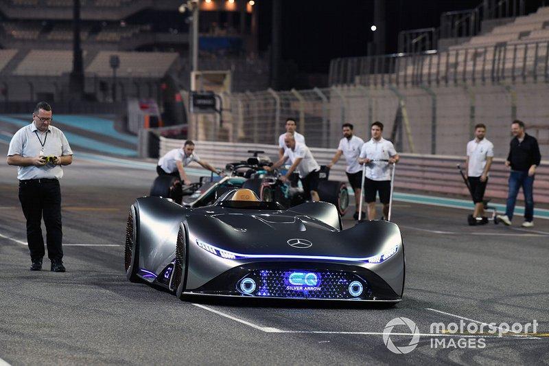 Le concept-car Mercedes-Benz EQ Silver Arrow