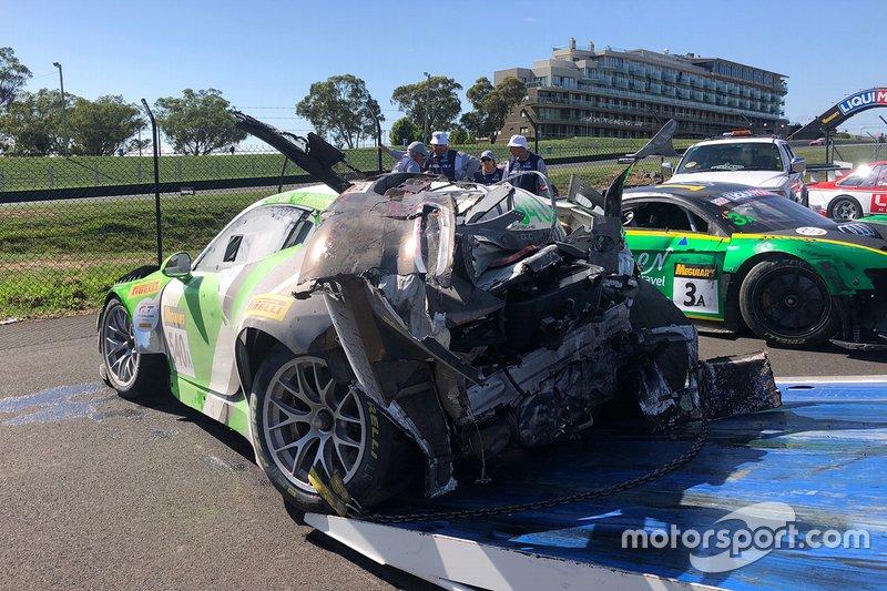 Así quedó el #540 Black Swan Racing Porsche 911 GT3-R de Tim Pappas, Jeroen Bleekemolen y Marc Lieb tras el accidente
