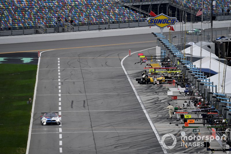 #24 BMW Team RLL BMW M8 GTE, GTLM: Jesse Krohn, John Edwards, Chaz Mostert, Alex Zanardi