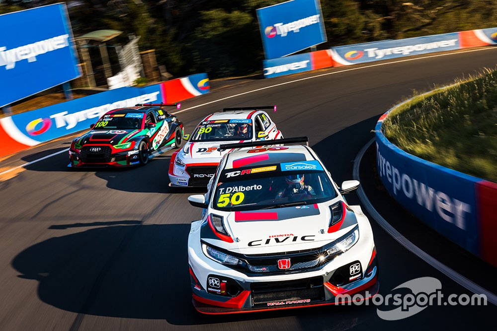 TCR cars at Mount Panorama