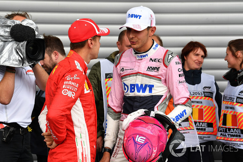 Sebastian Vettel, Ferrari y Esteban Ocon, Racing Point Force India F1 Team en parc ferme