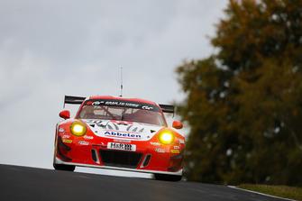#30 Frikadelli Racing Porsche 911 GT3 R: Klaus Abbelen, Alex Müller, Felipe Fernández Laser