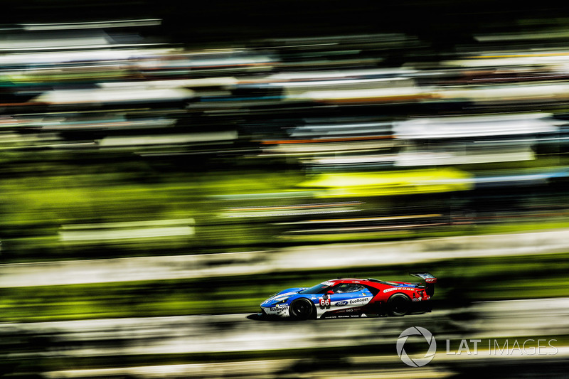 #1: Chip Ganassi Racing Ford GT: Dirk Müller, Joey Hand