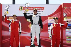 Coppa Shell podium: winner Barry Zekelman, second place Osvalgo Gaio, third place Murray Rothlander