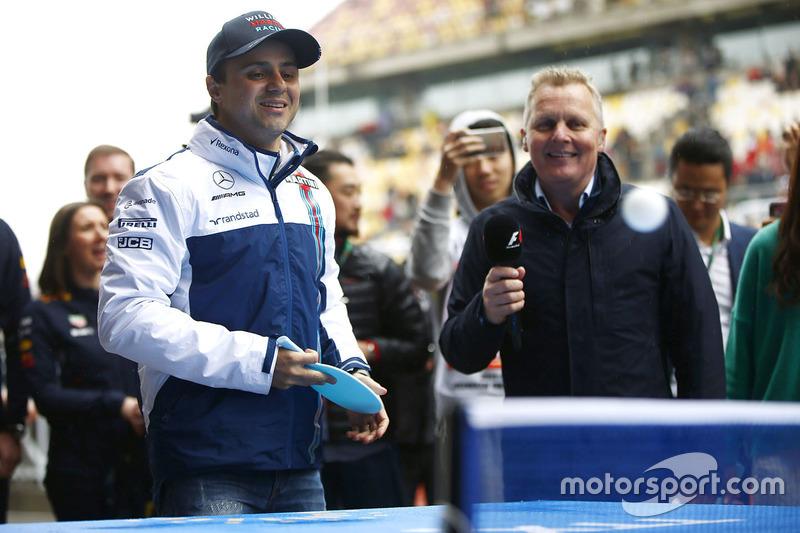 Felipe Massa, Williams, plays table tennis