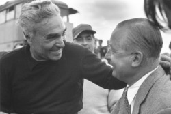 Piero Taruffi chats to Tony Vandervell