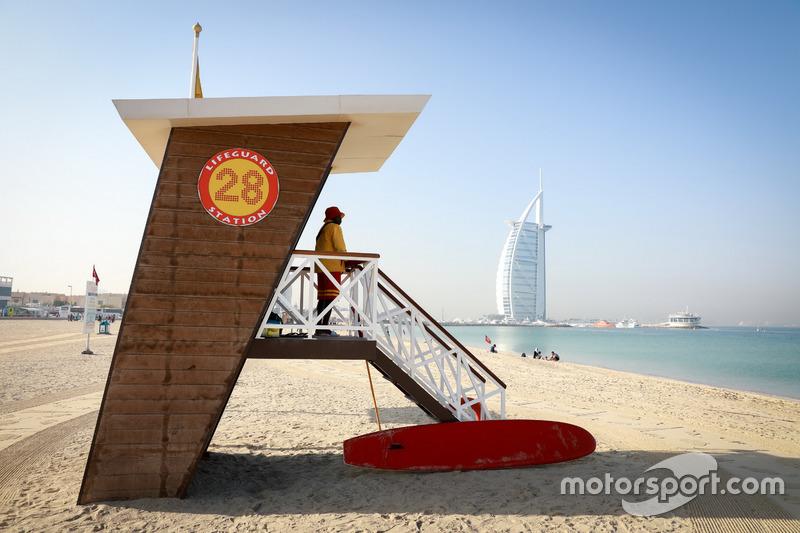 Dubai atmosphere