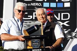 Roger Penske, Team Penske owner accepts the Winning Team Trophy