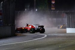 Sebastian Vettel, Ferrari SF70H goes into the wall