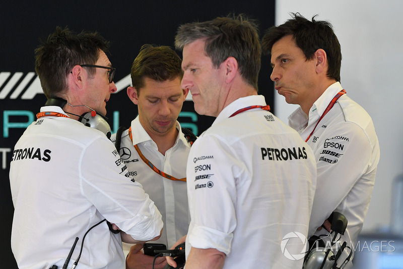 Andy Shovlin, Mercedes AMG F1 W08 Engineer, James Allison, Mercedes AMG F1 W08 Technical Director and Toto Wolff, Mercedes AMG F1 W08 Director of Motorsport