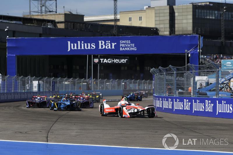 Start: Felix Rosenqvist, Mahindra Racing, führt