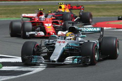 Lewis Hamilton, Mercedes AMG F1 W08, Kimi Raikkonen, Ferrari SF70H, Max Verstappen, Red Bull Racing RB13