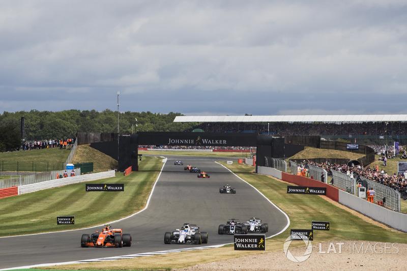 Стоффель Вандорн, McLaren MCL32, Феліпе Масса, Williams FW40, Ромен Грожан, Haas F1 Team VF-17, Ленс Стролл, Williams FW40