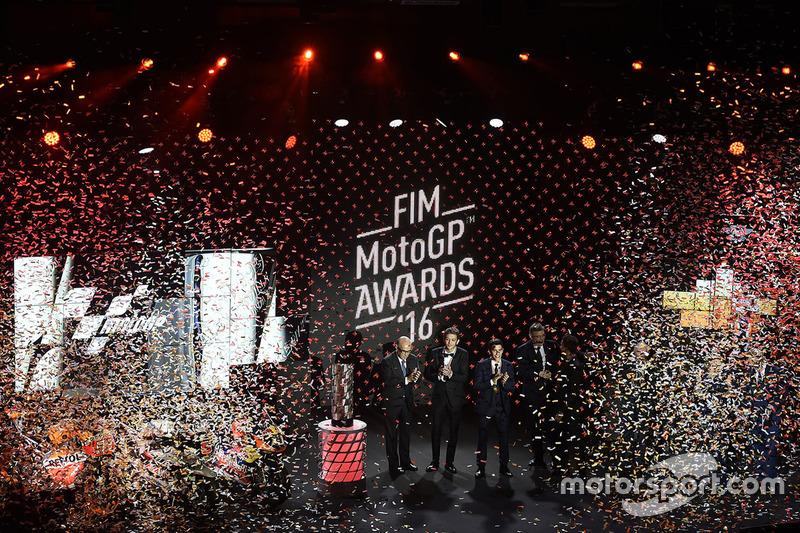 Top 3 der MotoGP-WM 2016: Weltmeister Marc Marquez, 2. Valentino Rossi, 3. Jorge Lorenzo, mit Carmel