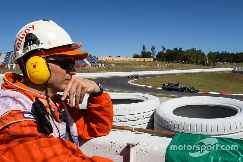 Маршал и Льюис Хэмилтон, Mercedes-Benz F1 W08