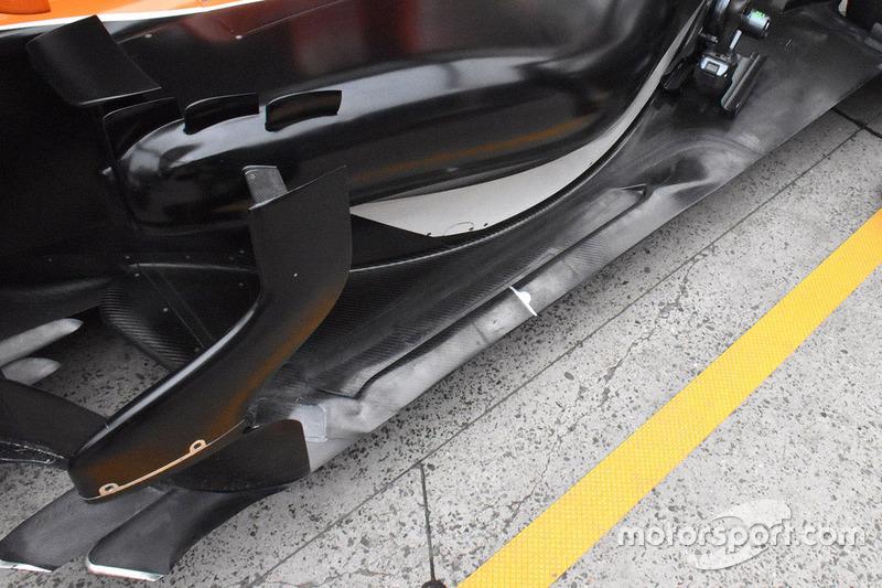 McLaren MCL32 side detail