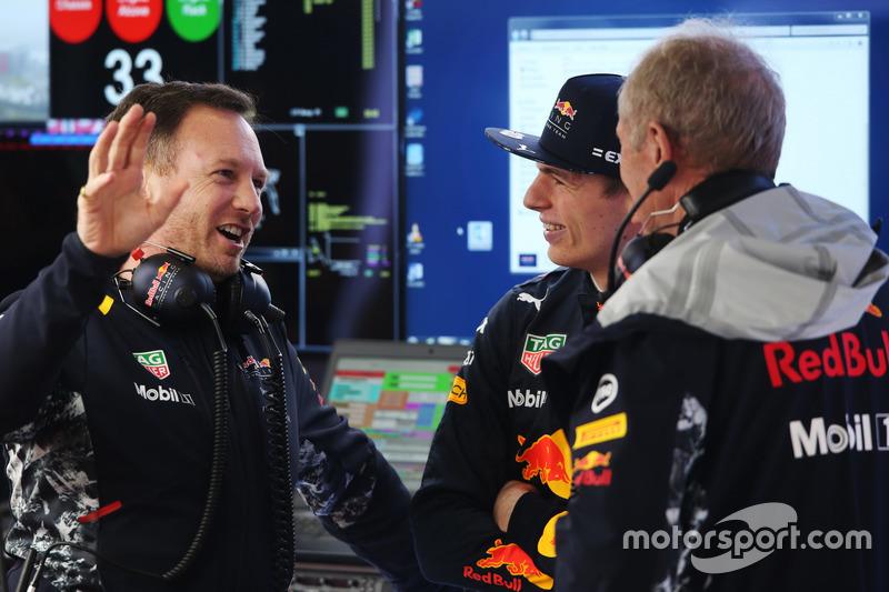 Christian Horner, Teamchef, Red Bull Racing; Max Verstappen, Red Bull Racing; Helmut Marko, Motorsportberater, Red Bull Racing