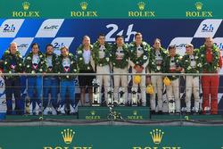 LMP2 podium: les vainqueurs Ho-Pin Tung, Oliver Jarvis, Thomas Laurent, DC Racing, deuxième place pour Mathias Beche, David Heinemeier Hansson, Nelson Piquet Jr., Vaillante Rebellion Racing, troisième place pour David Cheng, Alex Brundle, Tristan Gommendy, DC Racing