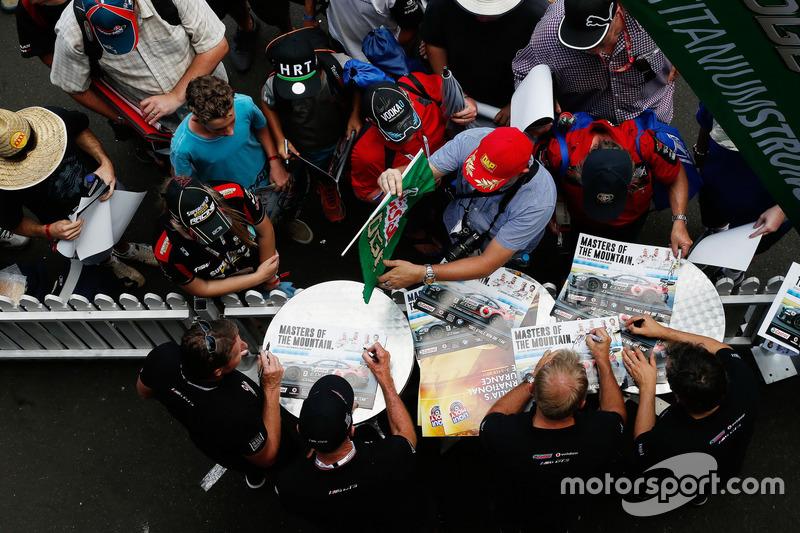 Tony Longhurst, Mark Skaife, Russell Ingal and Timo Glock, BMW TEam SRM