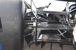 Williams FW 40: Hintere Aufhängung