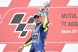 Podium: Race winner Valentino Rossi, Yamaha Factory Racing