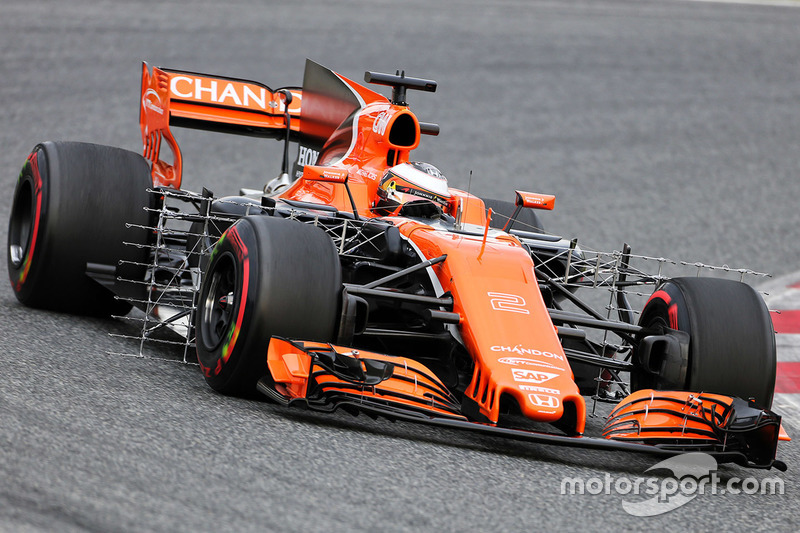f1-barcelona-pre-season-testing-i-2017-stoffel-vandoorne-mclaren-mcl32