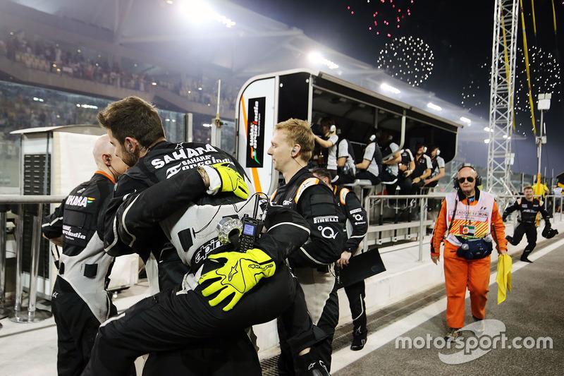 Sahara Force India F1 Team celebrar acabado cuarto en el Campeonato de constructores