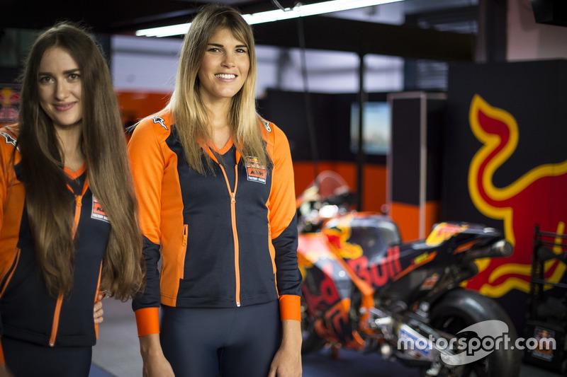 Chicas KTM