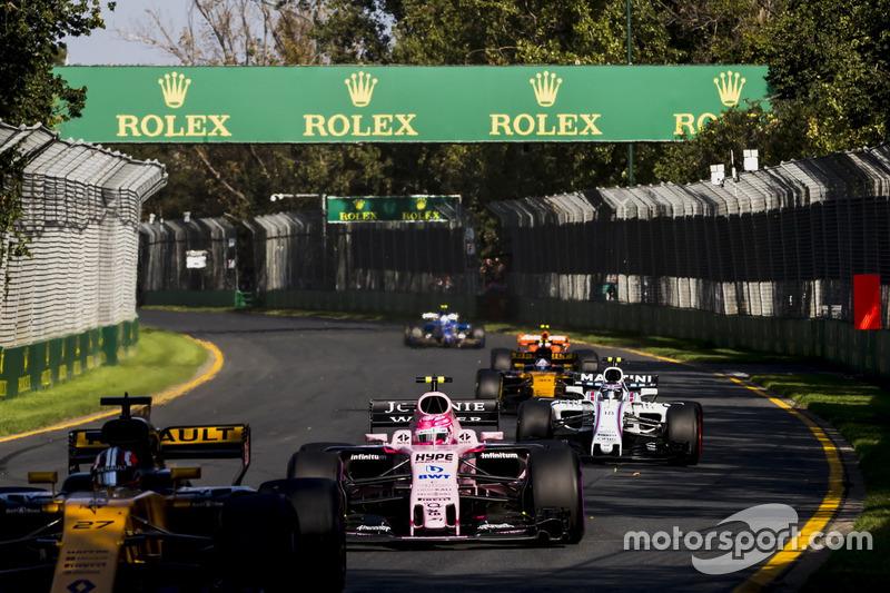 Nico Hulkenberg, Renault Sport F1 Team RS17, Esteban Ocon, Force India VJM10 y Lance Stroll, William