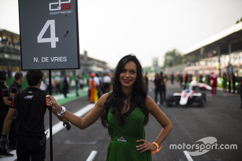 Grid girl for Nyck De Vries, ART Grand Prix