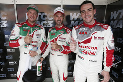Rob Huff, Honda Racing Team JAS, Honda Civic WTCC, Norbert Michelisz, Honda Racing Team JAS, Honda Civic WTCC, Tiago Monteiro, Honda Racing Team JAS, Honda Civic WTCC