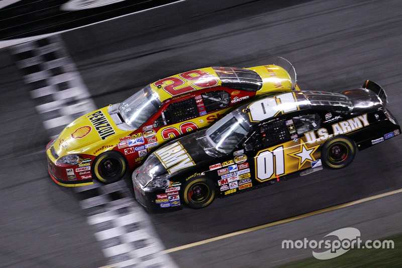 Daytona 500 - 2007: Kevin Harvick vs Mark Martin