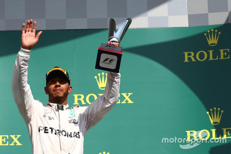 Podyum: Lewis Hamilton, Mercedes AMG F1 W07