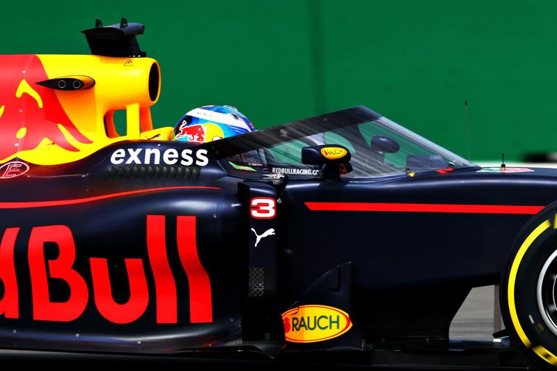 Daniel Ricciardo, Red Bull Racing RB12 dengan aeroscreen