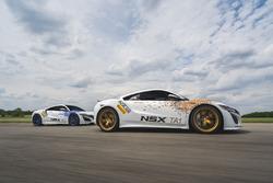 Acura NSX Time Attack 1 та друге авто