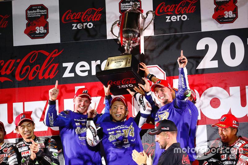 Podio: i vincitori #21 Yamaha Factory Racing Team: Katsuyuki Nakasuga, Pol Espargaro, Alex Lowes