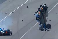 Scott Dixon, Chip Ganassi Racing Honda, Jay Howard, Schmidt Peterson Motorsports Honda coinvolti in un terribile incidente