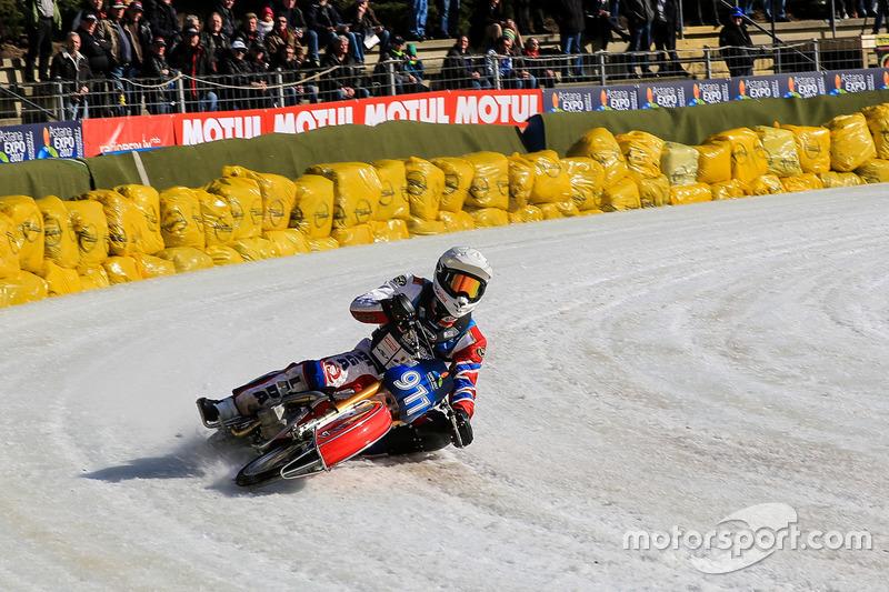 Игорь Кононов, выигравший все заезды на прошлом этапе в Алма-Ате, в этот раз дважды стал вторым