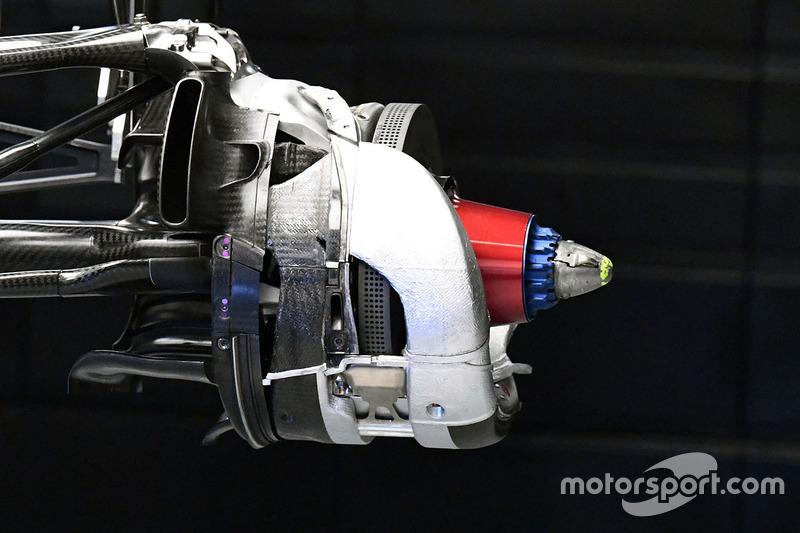梅赛德斯W08赛车制动盘细节图
