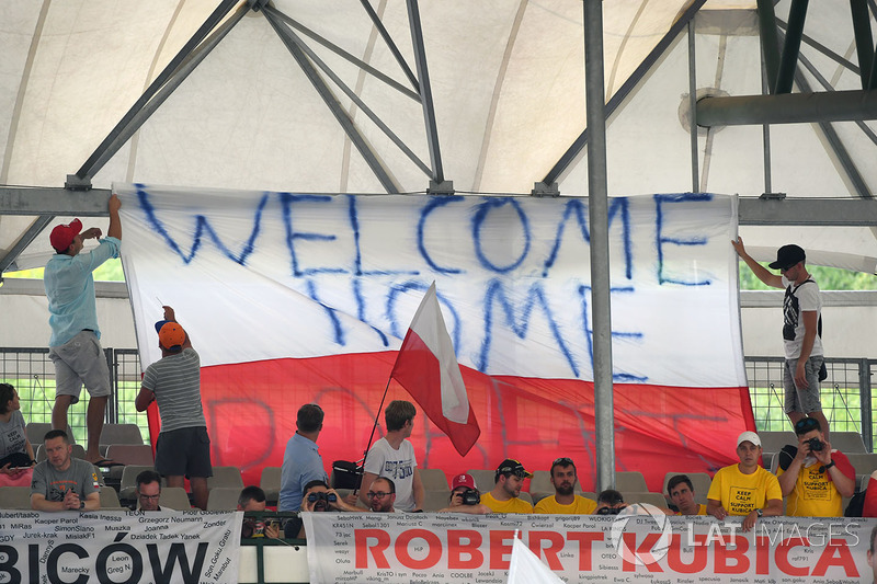 Банер для Роберта Кубіци, Renault Sport F1 Team RS