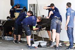 Renault eDAMS mechanics build a new car for Sébastien Buemi, Renault e.Dams