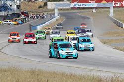 1. yarış start: Ali Türkkan lider