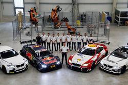 BMW-Sportchef Jens Marquardt und seine Piloten mit den Fahrzeugen BMW M235i R, BMW M4 DTM, BMW M6 GT3 und BMW M4 GT4