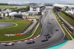 Lance Stroll, Williams FW40, Carlos Sainz Jr., Scuderia Toro Rosso STR12, Pierre Gasly, Scuderia Toro Rosso STR12, on the formation lap