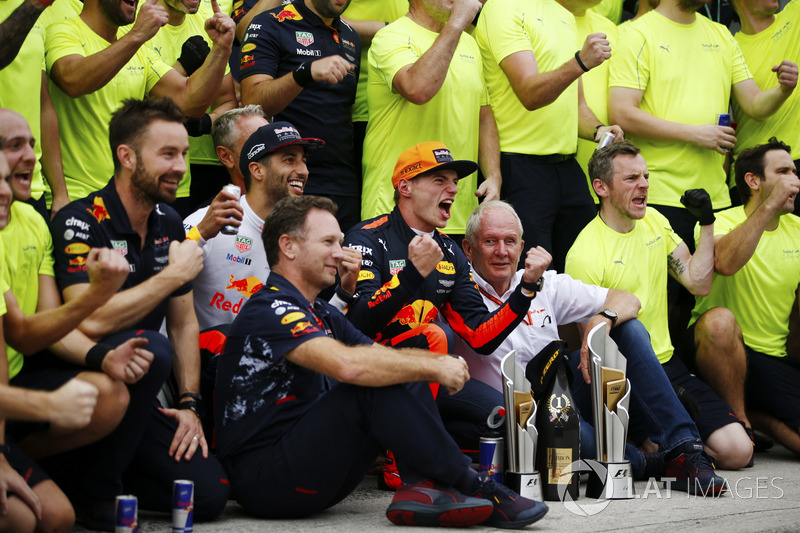 Max Verstappen, Red Bull Racing, celebrates victory, Daniel Ricciardo, Red Bull Racing, Christian Horner, Team Principal, Red Bull Racing, Helmut Markko, Consultant, Red Bull Racing and other colleagues