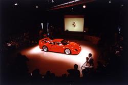 Ferrari F40: la presentazione a Maranello