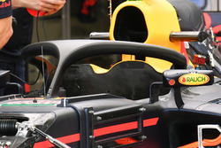 Red Bull Racing RB13 с Halo